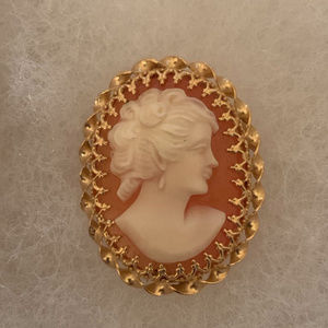 14k Gold Carved Shell Cameo Pendant or Brooch